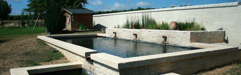 Baignade biologique en pierres naturelles en Touraine